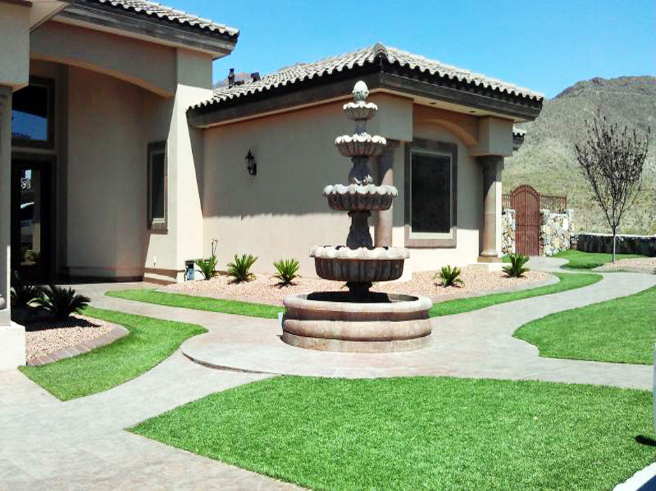 Front Yard Landscape with Fountain